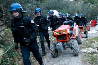 985251-perquisition-arrestation-herrou-laurent-carre-9745-2jpg
